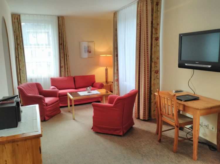 unsere junior suite engadinerhof. Black Bedroom Furniture Sets. Home Design Ideas
